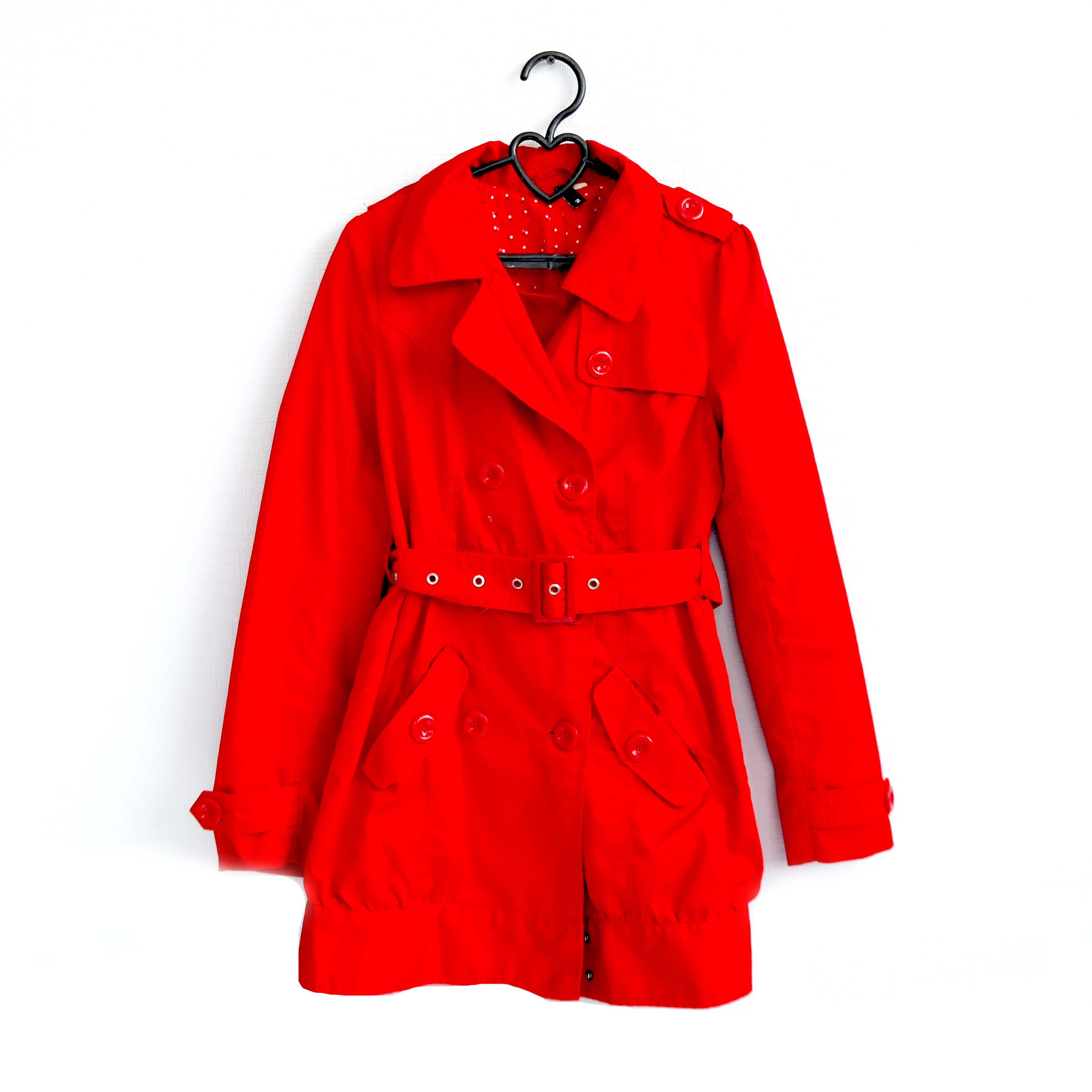 Пальто женское, красное в Челябинске