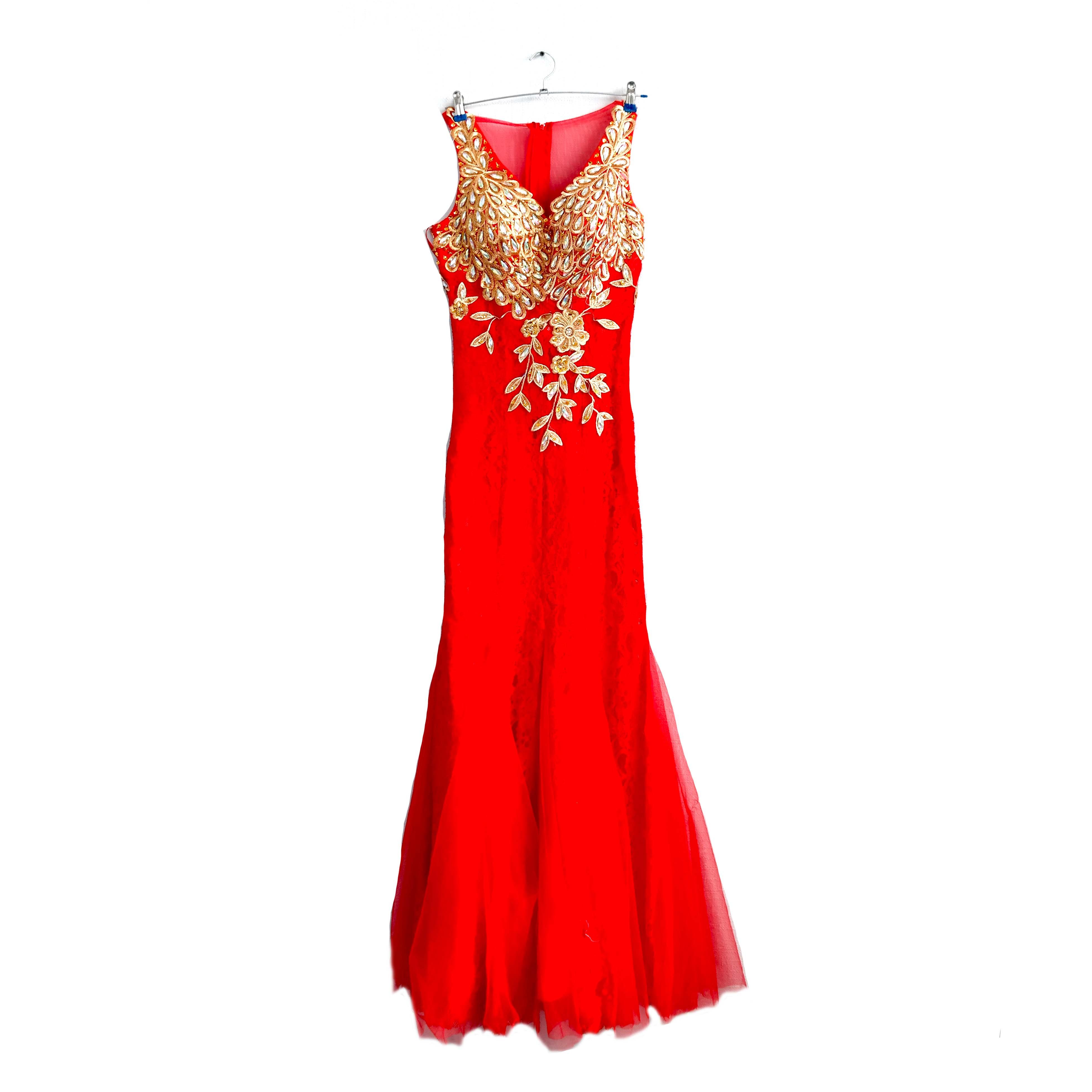 Платье женское красное с золотом, вечернее в Челябинске