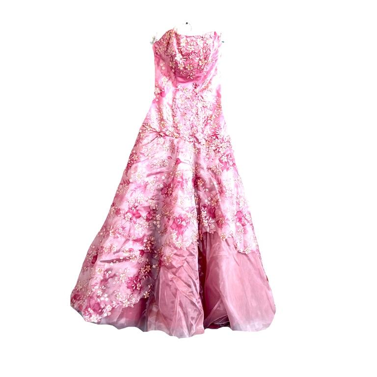 Пышное женское платье в Челябинске