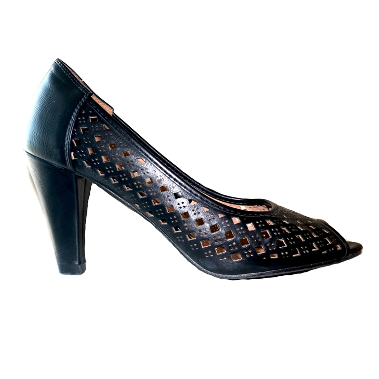 Туфли женские черные на каблуке в Челябинске