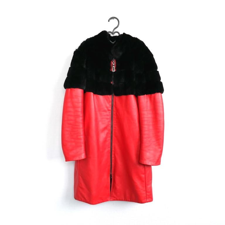 Женское пальто с мехом в Москве