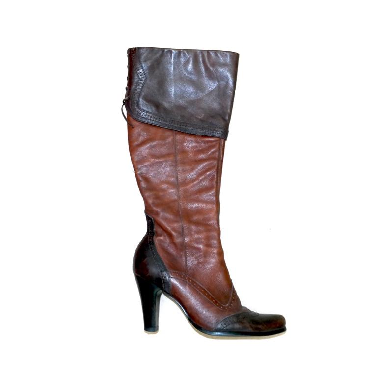 Женские сапоги коричневые на среднем каблуке в Москве