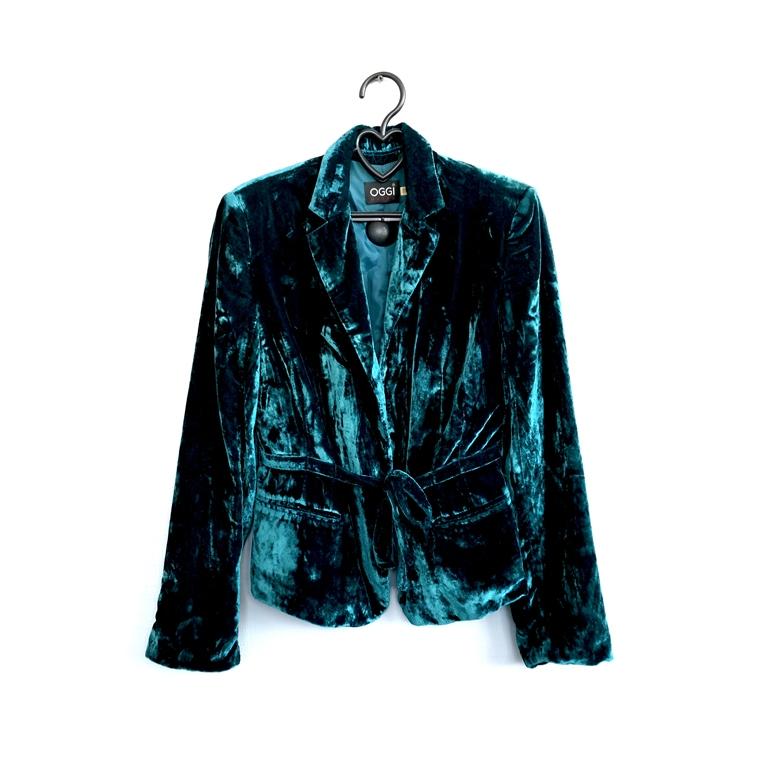 Велюровый женский пиджак в Челябинске