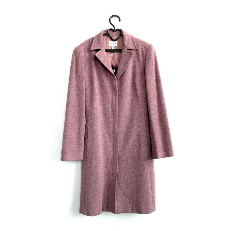 Женское розовое пальто пудрового оттенка в Москве