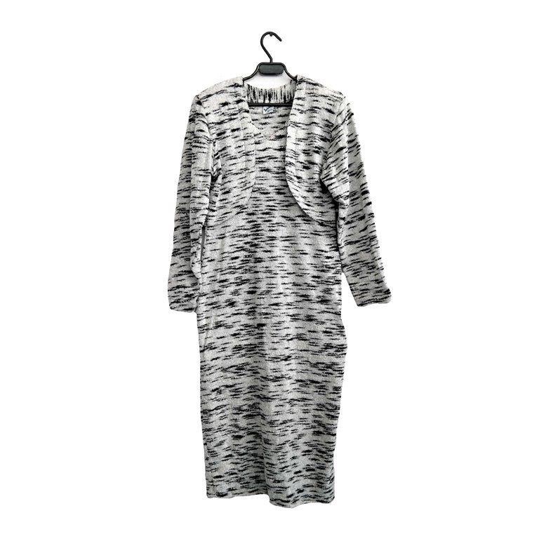 Теплое женское платье черное с белым в Москве