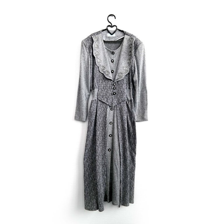 Длинное женское платье вечернее серебристое в Москве