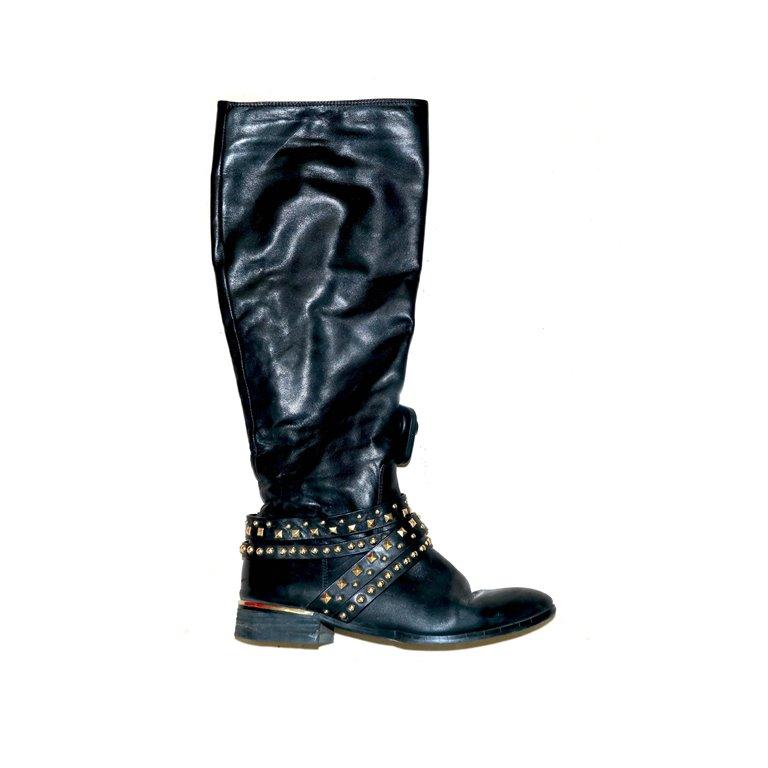 Сапоги женские, зимние черные без каблука в Челябинске