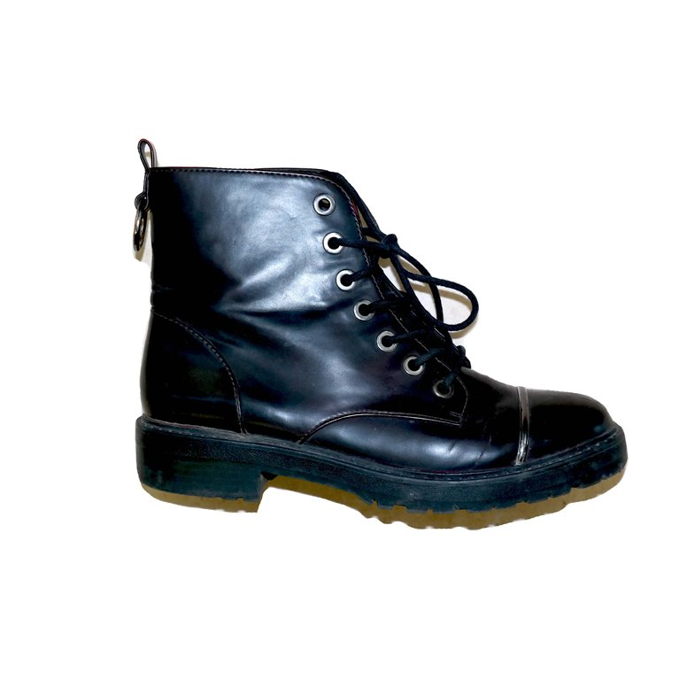 Ботинки женские черные на шнуровке в Самаре
