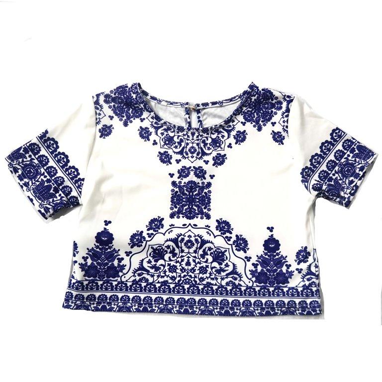 Стильная женская футболка с голубым узором в Челябинске