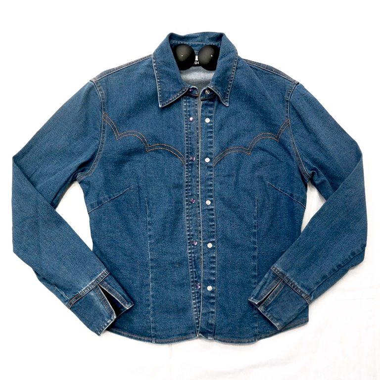 Стильная женская джинсовая рубашка  в Челябинске