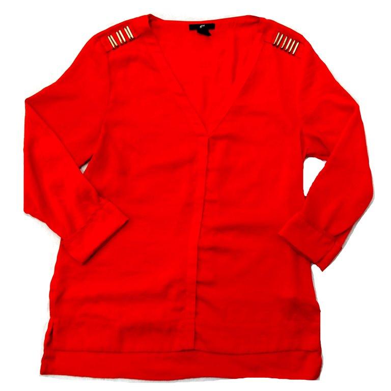 Легкая красная блузка. Женская в Челябинске