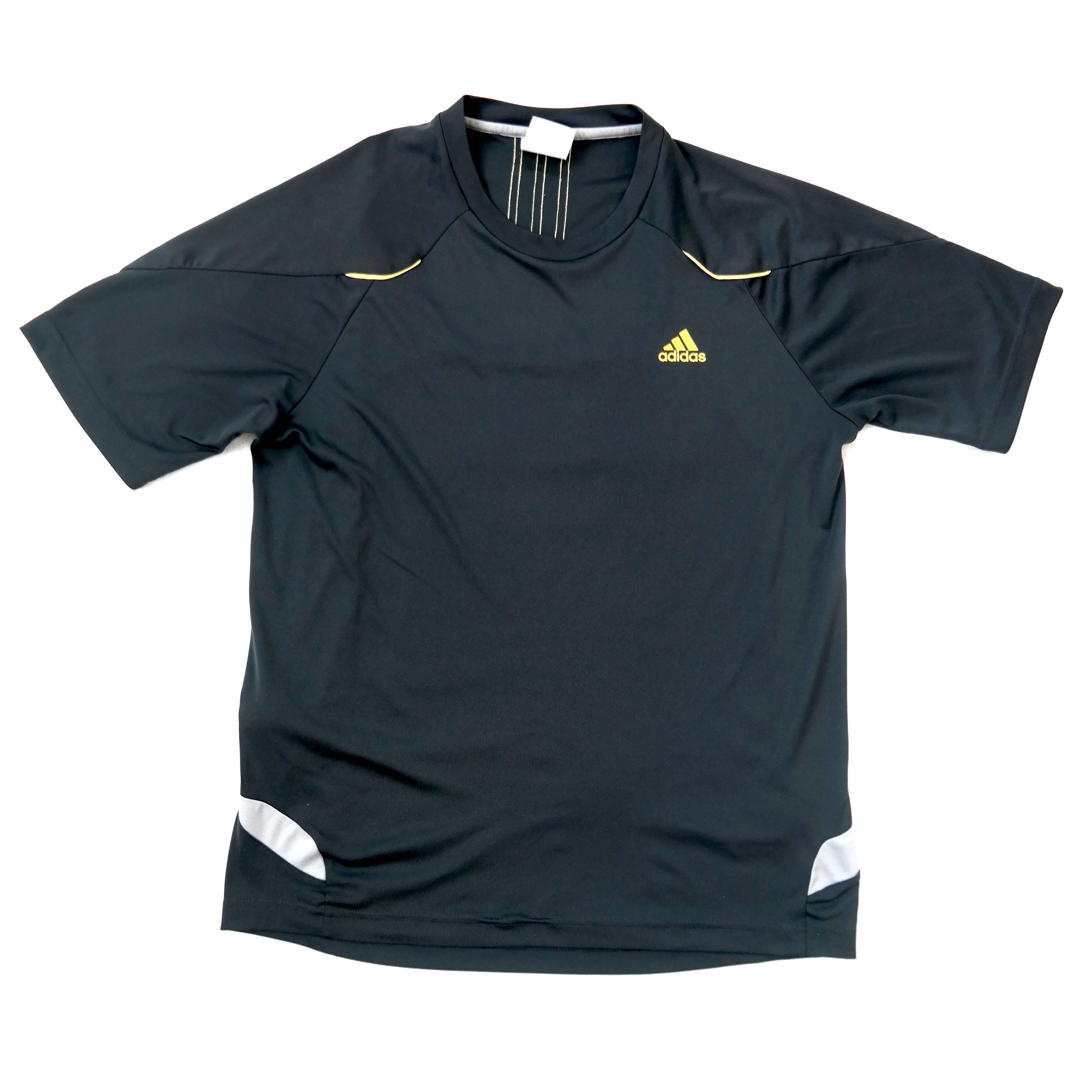 7b41eae7a66 Мужская спортивная футболка Adidas - секонд хенд «ЗигЗаг Удачи» в ...