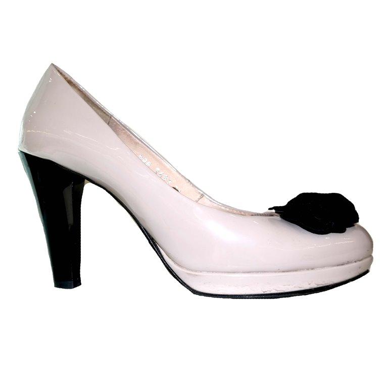 Туфли женские белые с черным цветком в Москве