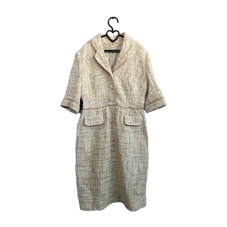 Платье женское серое с карманами и отложным воротником в Москве