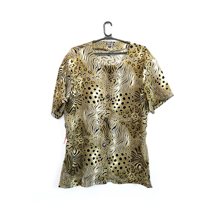 Женская блуза с анималистичным принтом в Москве