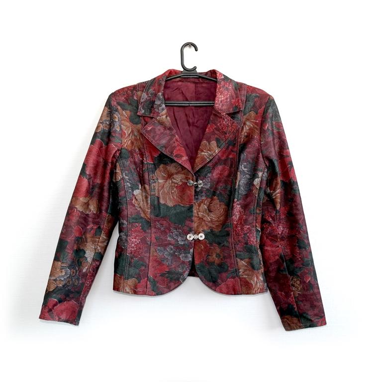 Женский пиджак пестрый в Челябинске