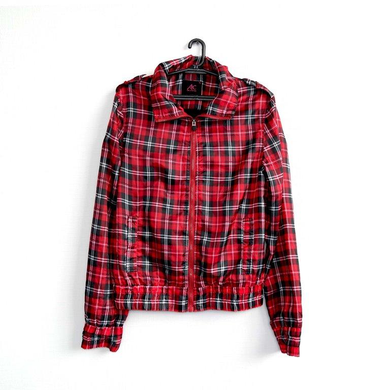 Куртка женская красная клетчатая в Челябинске