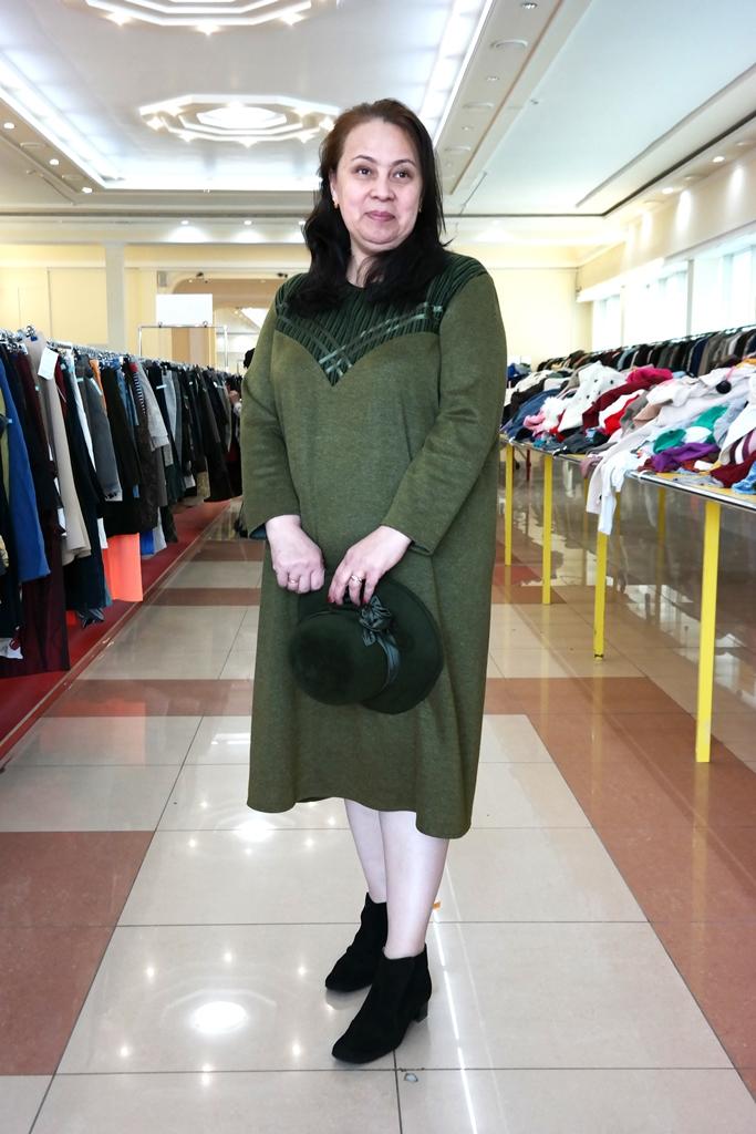 Тёмно-зелёное платье